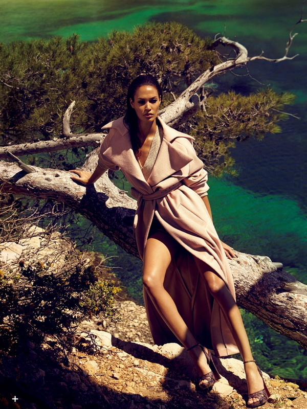 Joan Smalls for Vogue Japan October 2013 3