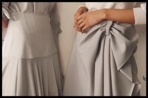 Ženstvena i zavodljiva asimetrija za modna druženja