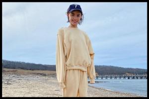Jogging set u boji banane nova je influencerska atrakcija